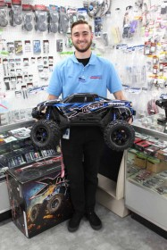 Alex & Huge XMAXX Monster Truck